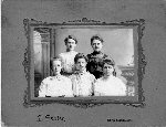 Gill Thomson families mystery photo
